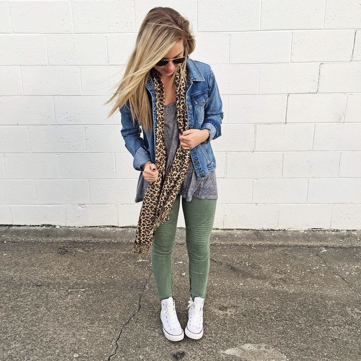 7a4d649bbd03 Image result for chambray shirt + leggings + converse