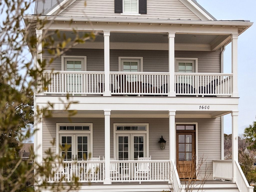 Mindful Gray Sw 7016 Review Rugh Design Gray House Exterior Grey Exterior House Colors Exterior House Colors