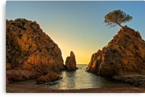Lienzo de un amanecer en la mar menuda de Tossa de mar