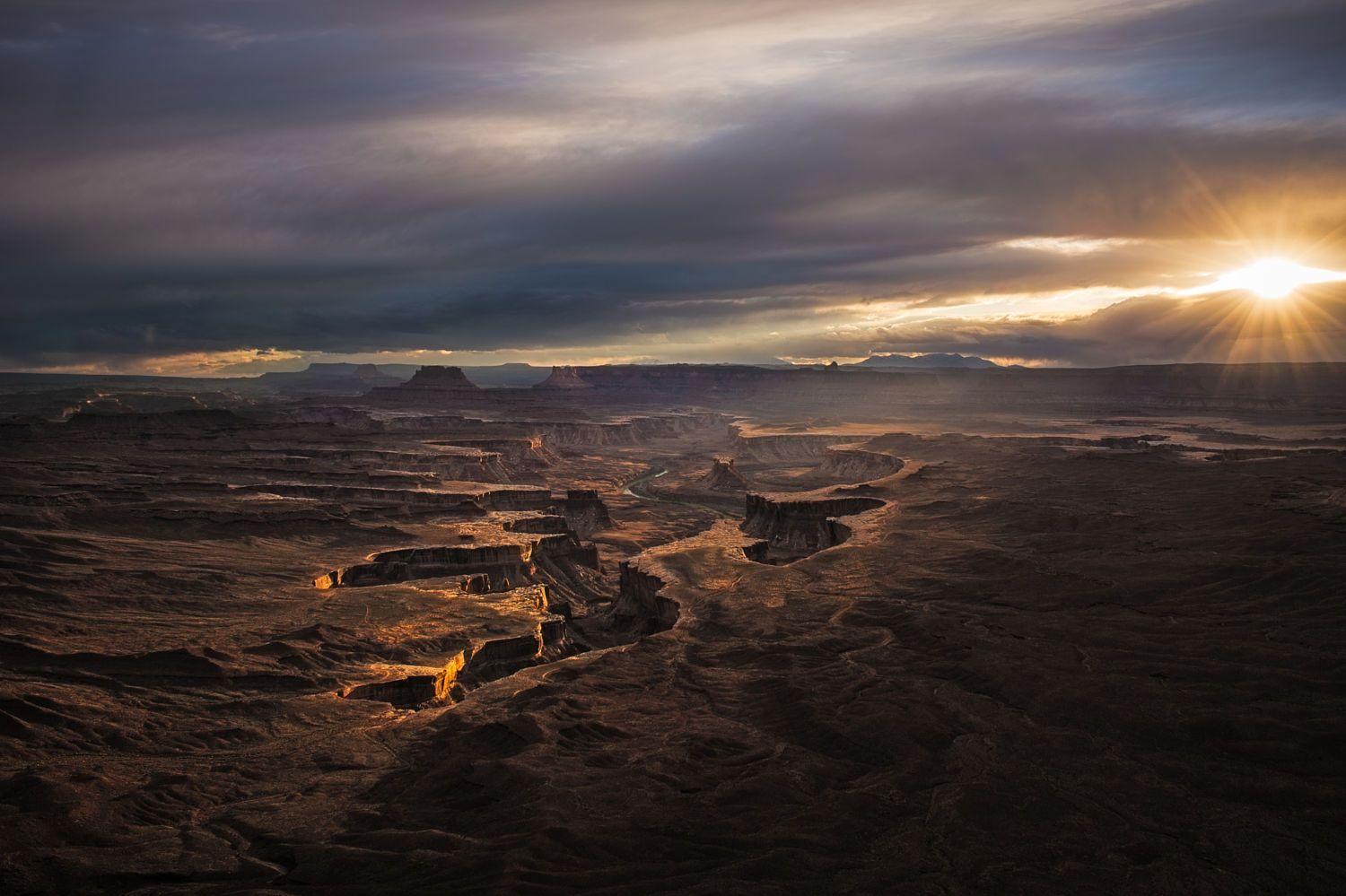 Light Over Canyonlands by Ray Green on 500px
