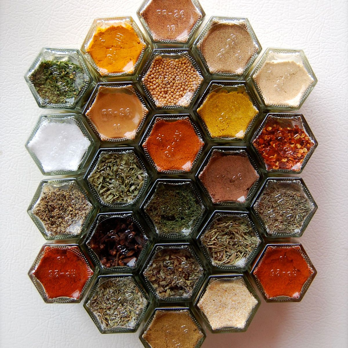 Creative Spice Storage Magnetic Spice Jars What A Good Idea I Feel Like I Could