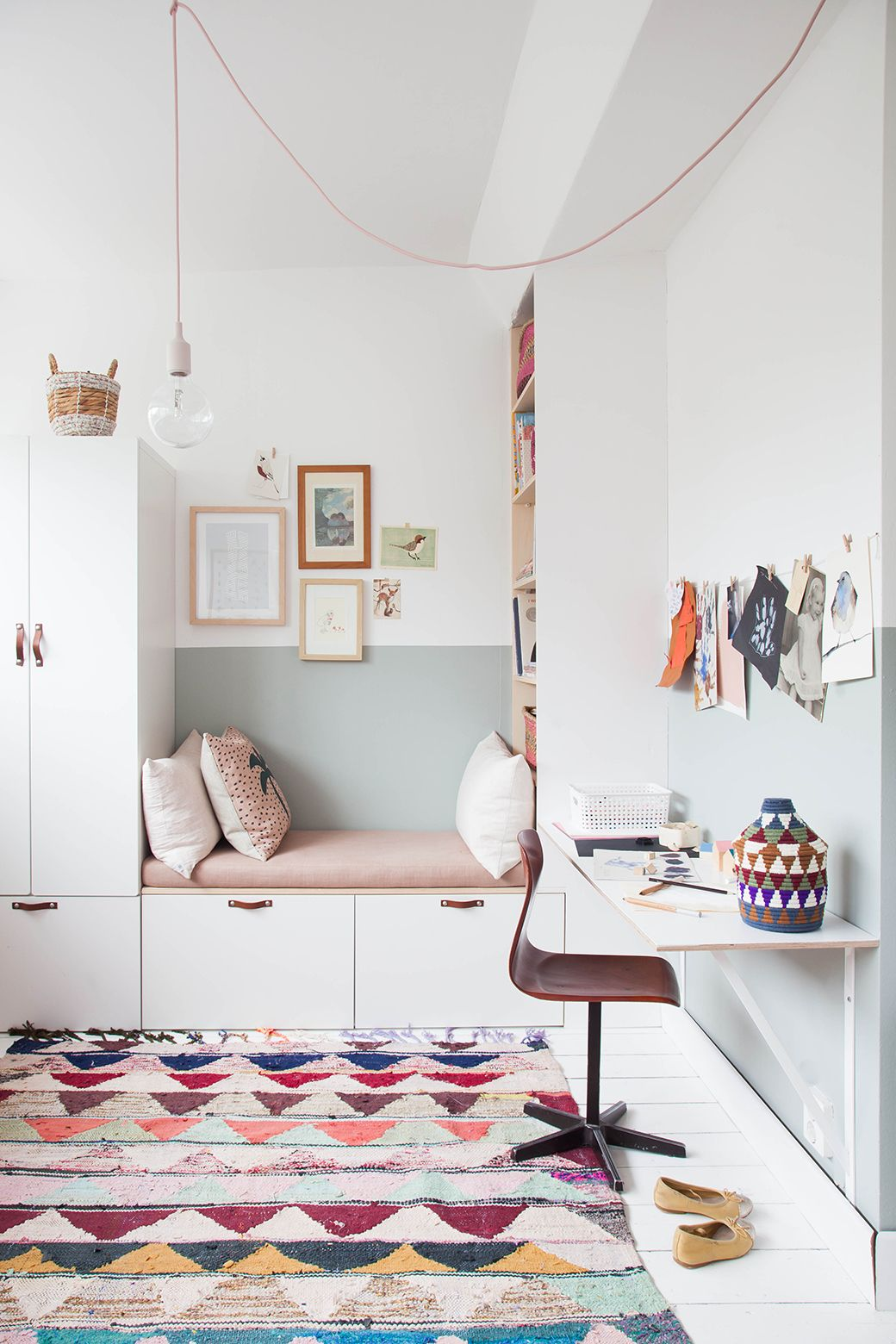 IKEA Wardrobe Hack In Charming Little Girl\'s Bedroom | KIDS BEDROOM ...
