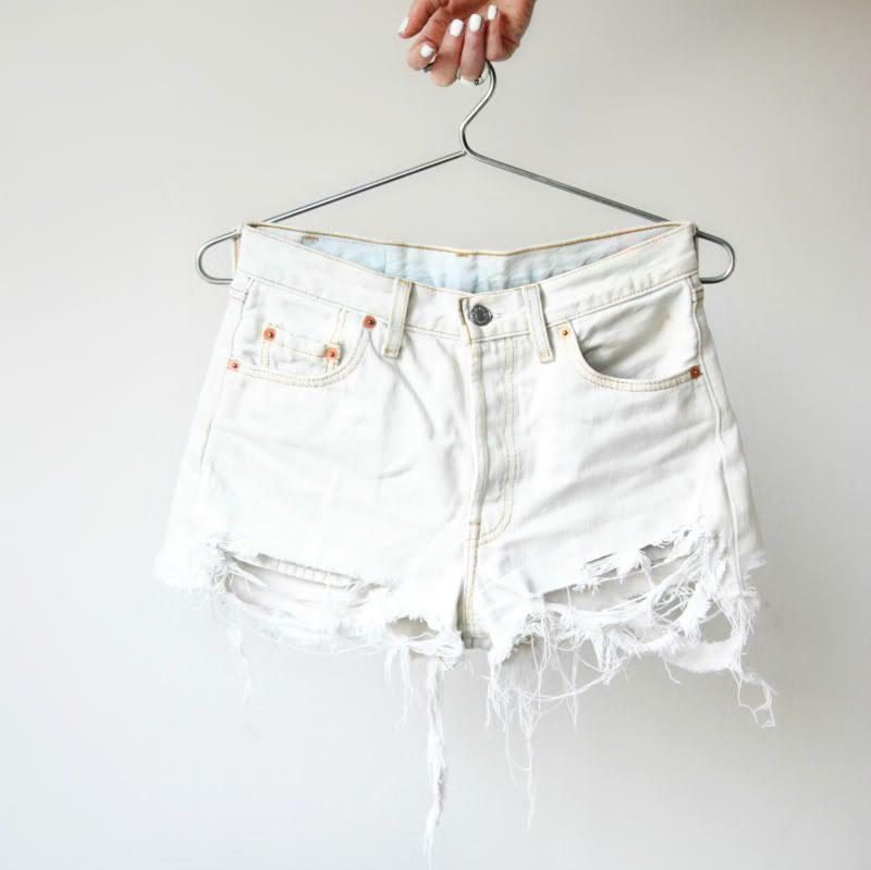 DIY white ripped shorts | // D I Y . C R A F T S // | Pinterest ...