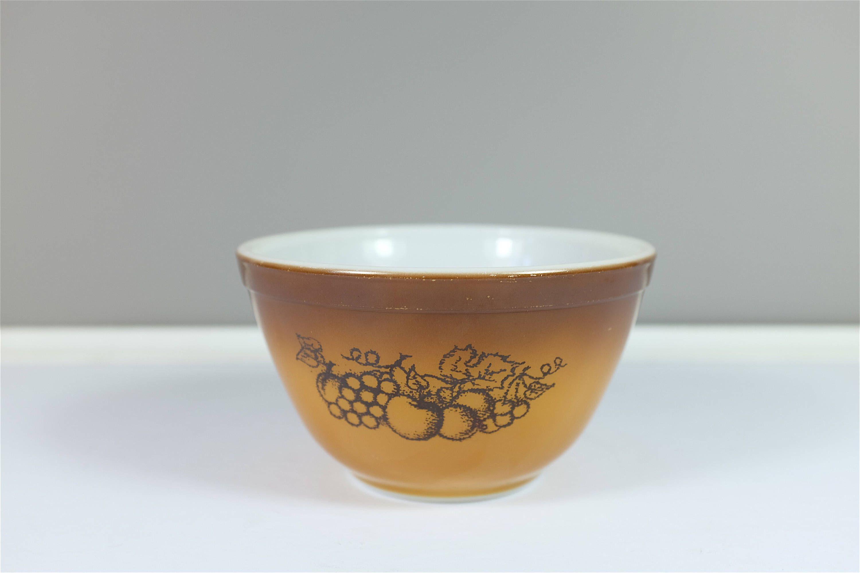 Pyrex brown mixing bowl, Old Orchard pattern #407, 1 1/2 pt ...