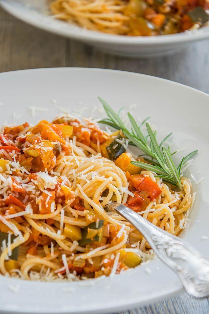 Spaghetti mit Gemüsesugo Rezept für Spaghetti mit Gemüsesugo  Sarahs Delight The post Spaghetti mit Gemüsesugo appeared first on Einfache Reze