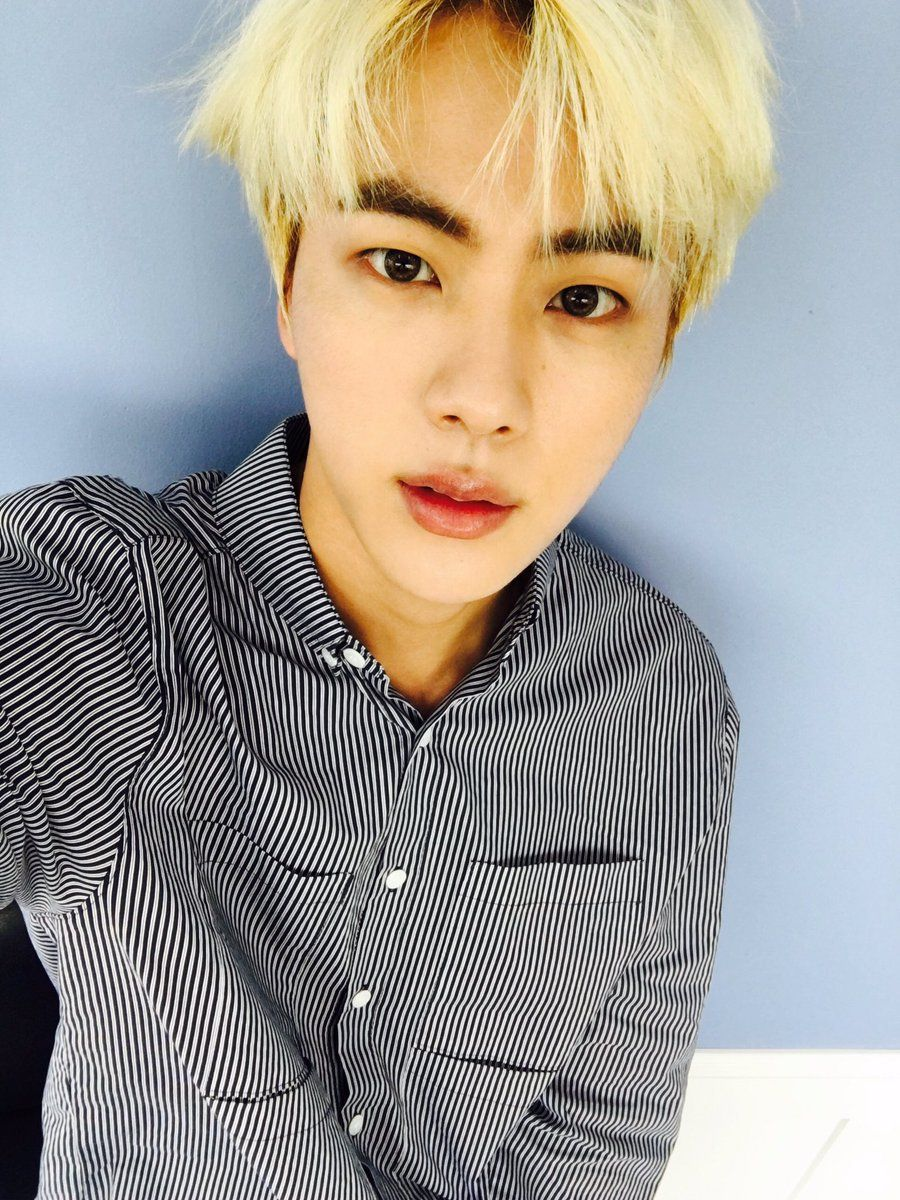 Jin ❤ [Bangtan Tweet] SEOKJIN YOU PERFECT HUMAN BEING! WHY MUST YOU ATTACK MY FEELS WITH ONE DAMN SELCA!! WAE!!! U 2 Beautiful! Let me live! #BTS #방탄소년단 #BlameBangtan