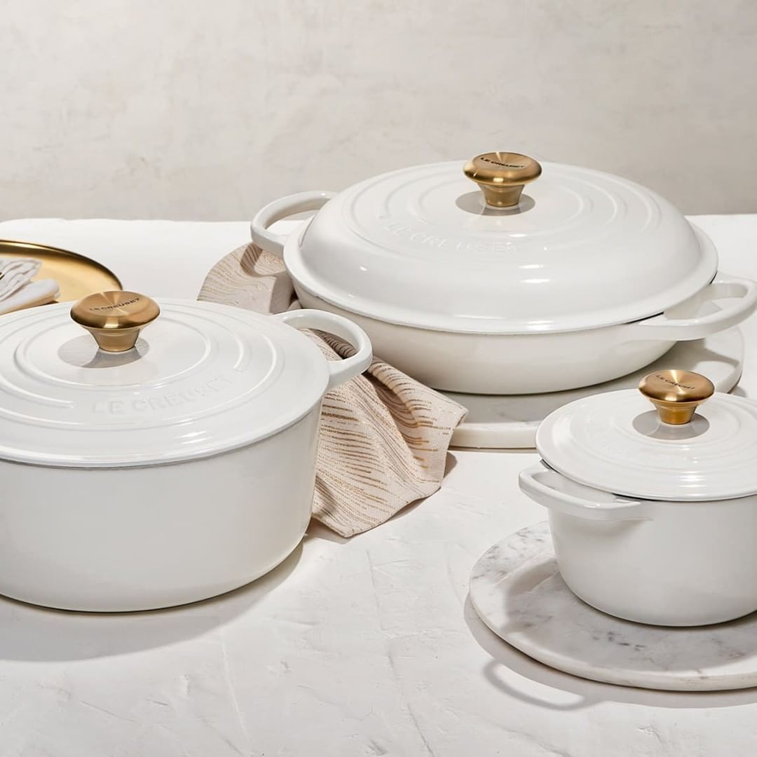 @TheLandofColor posted to Instagram: Le Creuset Just Launched a White with Gold Knob Collection. Yes, please. @lecreuset #lecreuset #lecreusetlove #white #kitchendecor #kitchenlift #cookware