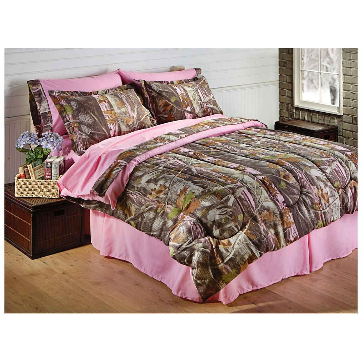 Castlecreek Next Pink Bed Set