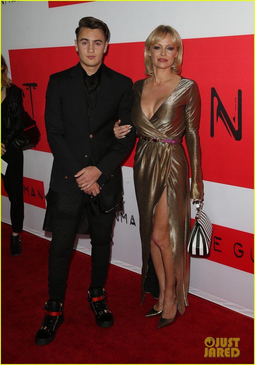 Pamela anderson tommy lee wedding bands - Pamela Anderson Tommy Lee Brandon Thomas 2015
