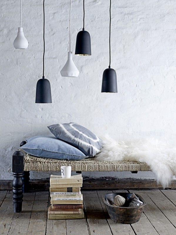 kussen tie dye en hanglamp peertje grijs grey pinterest
