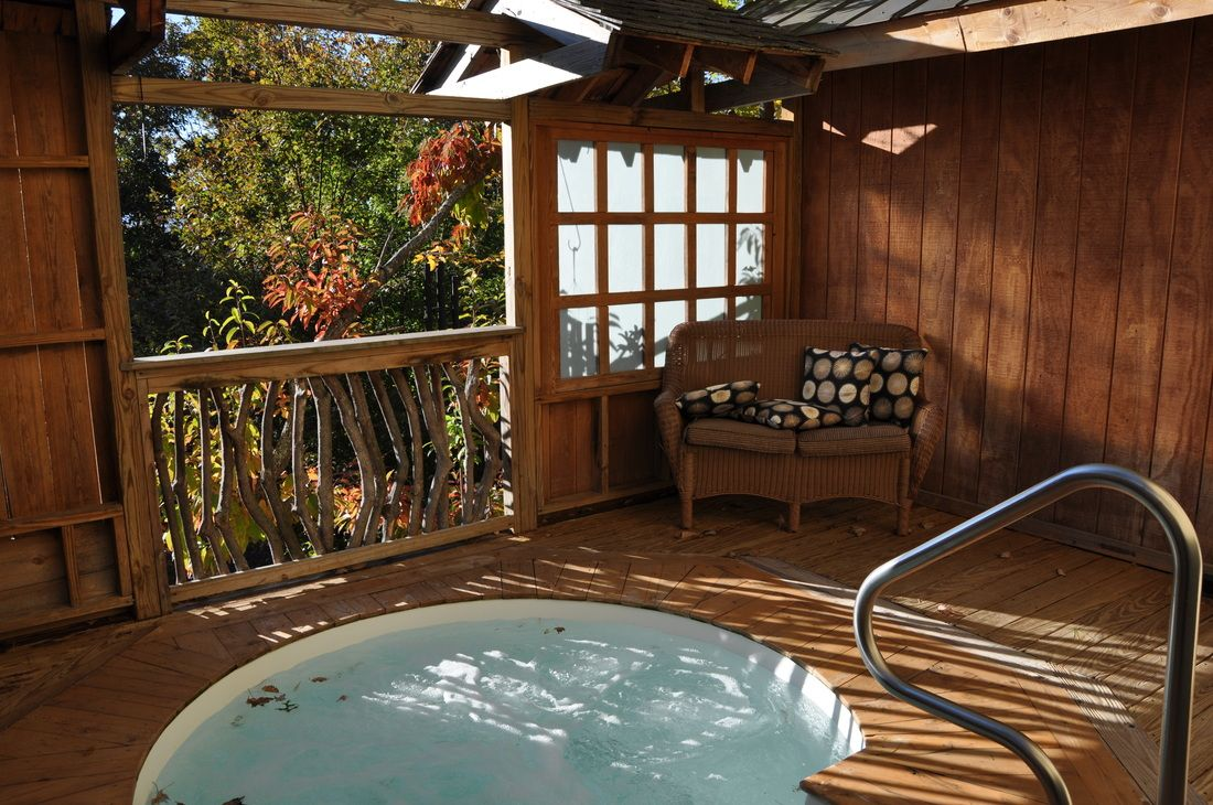 japanese style tubs in the fall at shoji spa u0026 lodge in
