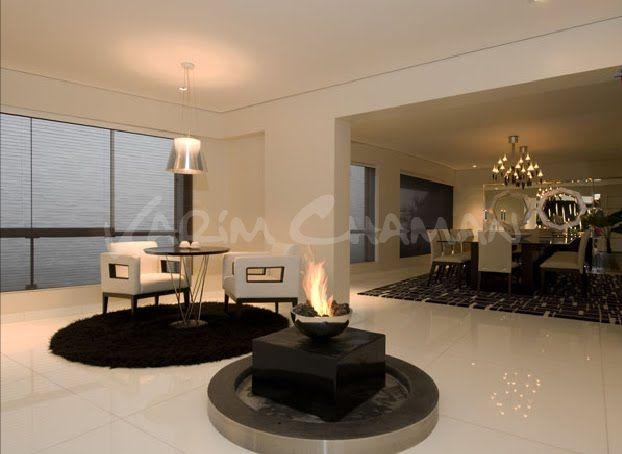 Sala moderna elegante y lujosa con amplio comedor video for Sala de pintura y comedor