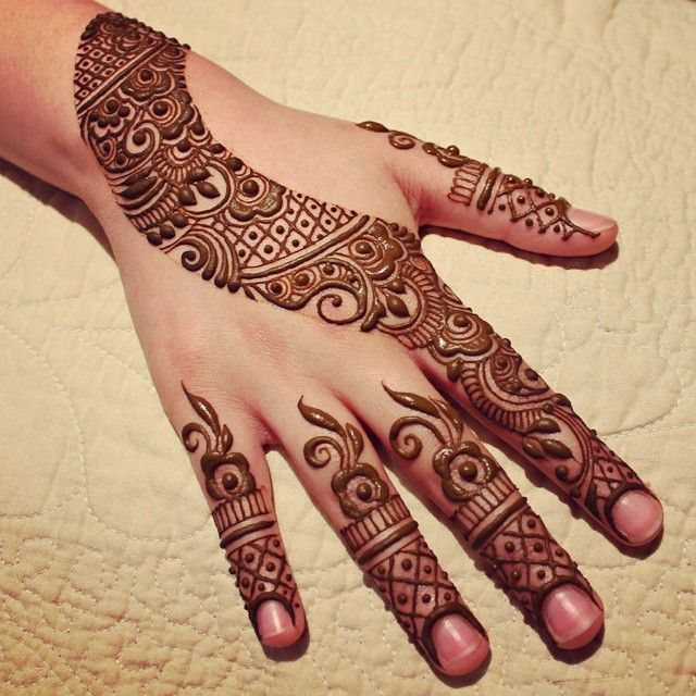 Henna Qaisar Designs Instagram : Nice henna by hennabydivya on instagram mehndi designs