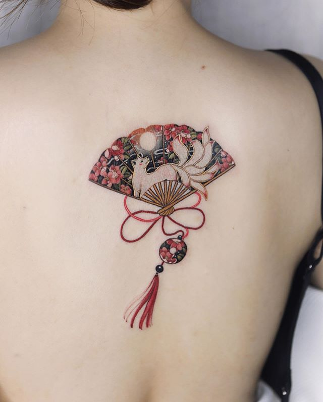 "Photo of 🌻 시온 on Instagram: ""Nine-tailed fox and moon themed fan with red strings."""