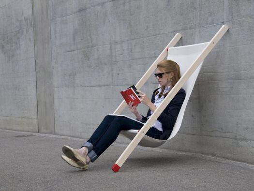 Una silla que se puede apoyar en cualquier sitio