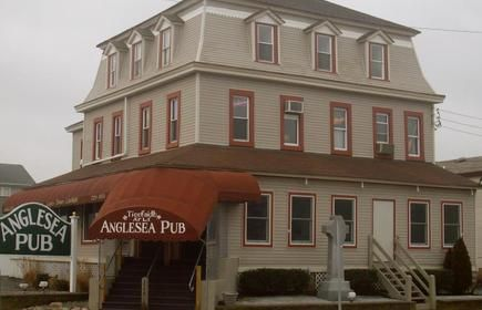 Anglesea Pub For Delicious Dining In North Wildwood Nj Corner Of 1st Avenue And New Jersey Avenue Wildwood Nj North Wildwood 1st Avenue