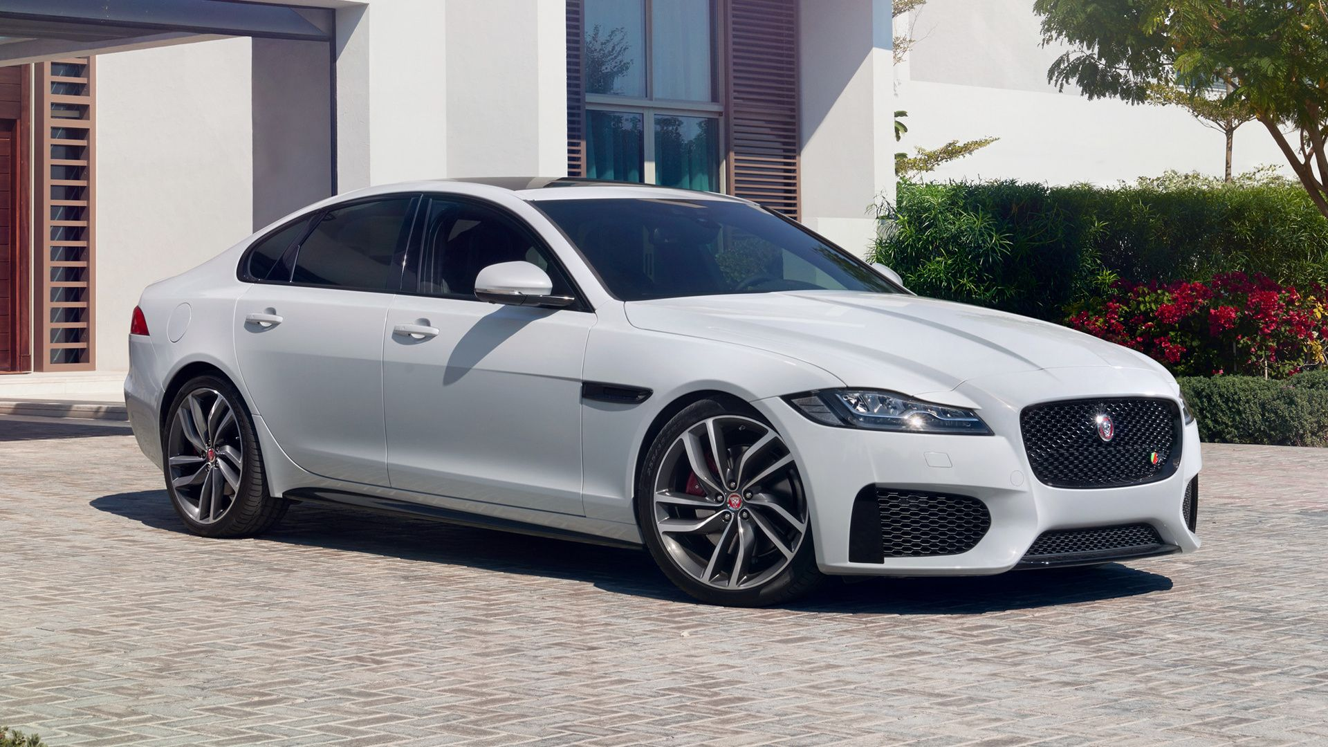 price the review front jaguar brit xf car artistry