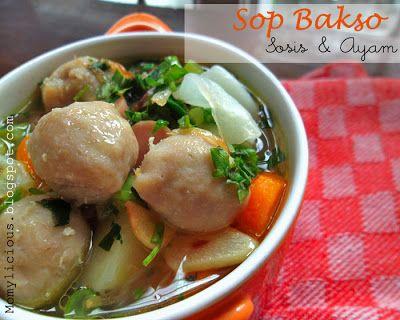 Sop Bakso Sosis Dan Ayam Fotografi Makanan Makanan Sosis