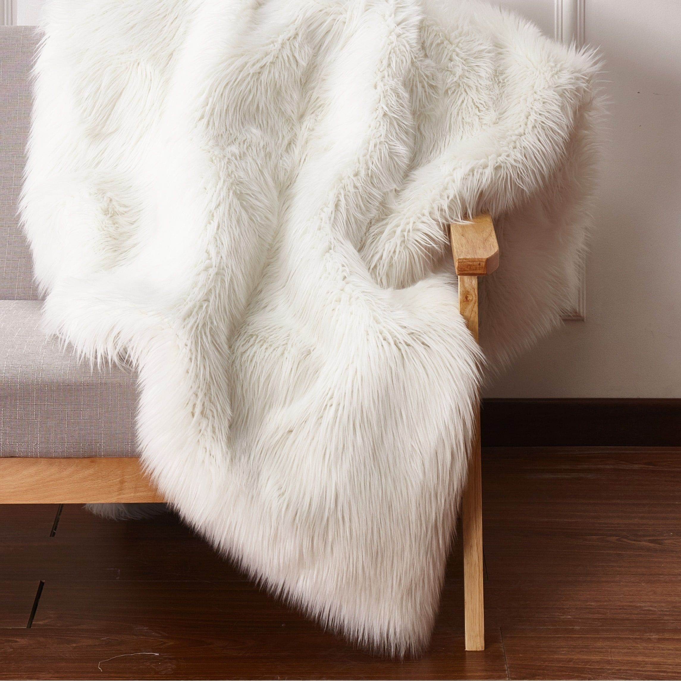 Animal Feel Faux Fur Area Rug With Suede Backing 5 X 7 Off White Ivory More Than 1 Inch Size