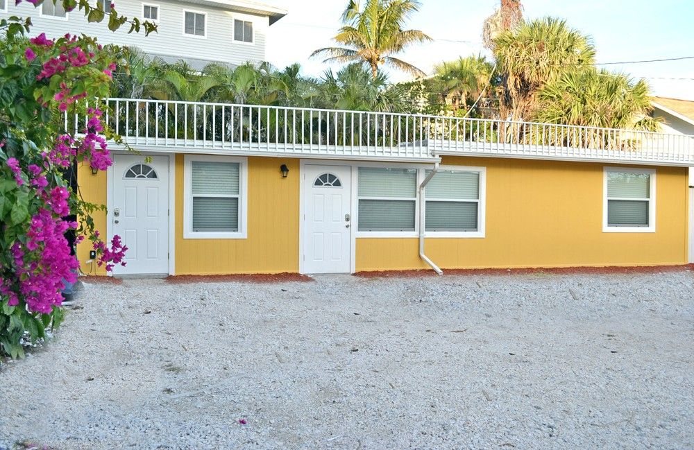Apartment Vacation Rental In Sarasota From Vrbo Com Vacation Rental Travel Vrbo Vacation Rental Florida Hotels Beachside