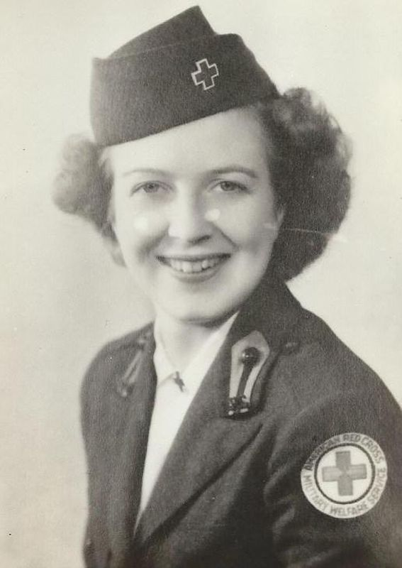 "Mary Louise (Lulu) Weller Chapman was born in 1919. She was attached to the Group H, Clubmobile  ""OAKLAND"", code H2/1."