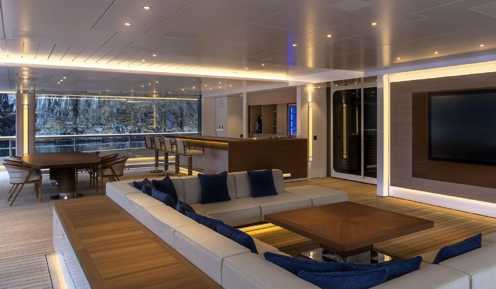 Inside FLYING FOX Yacht • Lurssen • 2019 • Value $400M • Owner Jeff Bezos  (?) | Yacht interior design, Luxury bathroom tiles, Modern bathroom design