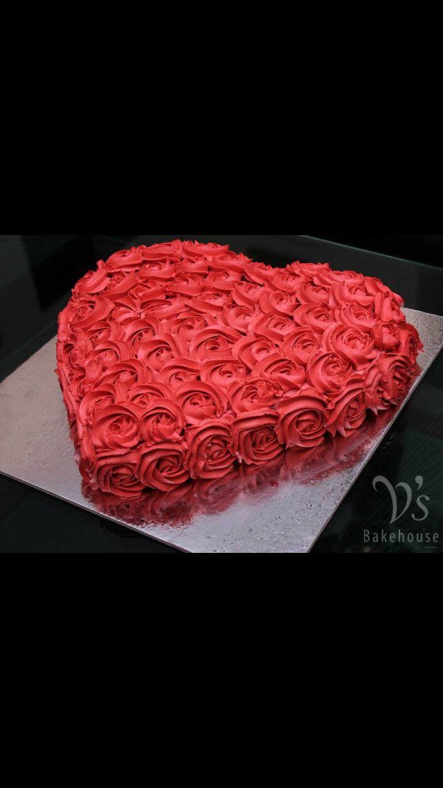 Heart Rose Cake Heart Shaped Cakes Amazing Cakes Valentines Day Cakes