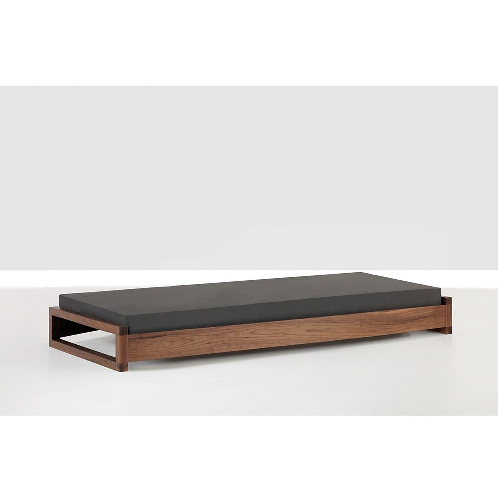 guest bed hertel klarhoefer industrial design zeitraum suite ny house and garden. Black Bedroom Furniture Sets. Home Design Ideas
