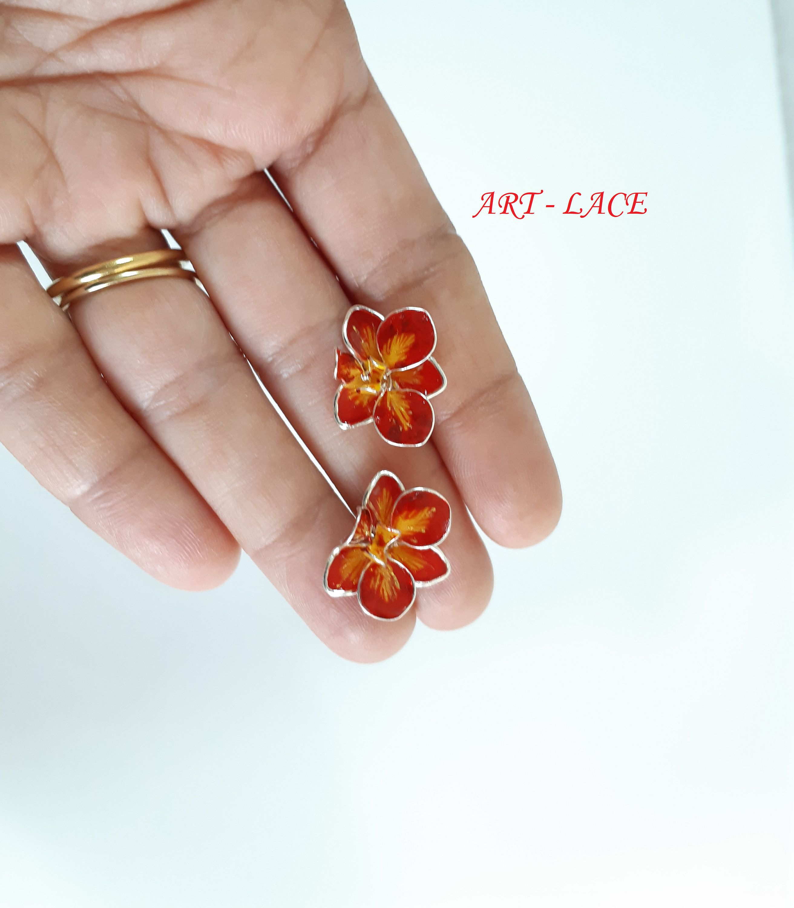 Orchid Earrings Studs Red Gold Orchids Stud Bridal Flower Earring Tiny Dainty Stud Singapore Flower Stud Flower Girl Earring Wire Resin In 2020 Dainty Studs Girls Earrings Flower Studs