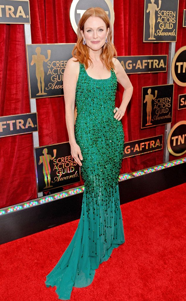 Emmy Rossum From Best Dressed At The 2015 Sag Awards Vestido De Celebridade Vestidos Legais Belos Vestidos