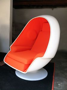 Charmant Lee West Alpha Egg Chair
