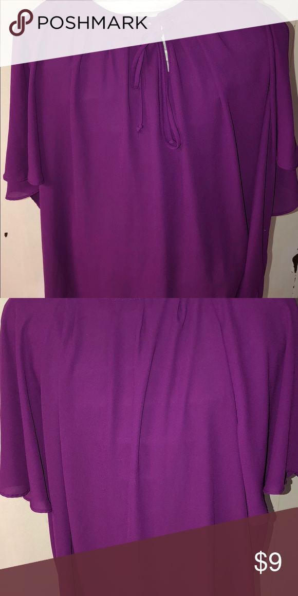 Women's blouse Apt. 9 women's blouse size XL. Blouse is in good condition comes from a smoke free home. Apt. 9 Tops Blouses