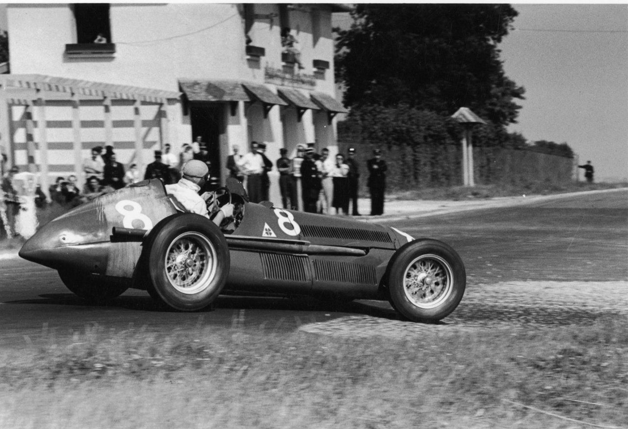 j m fangio alfa romeo 159 french g p reims 1951 vintage racing photo 39 s 2 pinterest. Black Bedroom Furniture Sets. Home Design Ideas