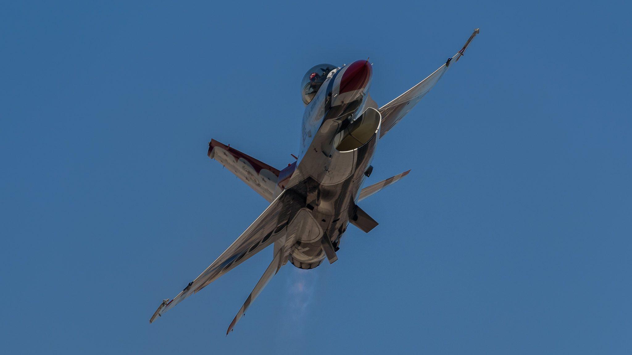 Usaf Thunderbirds Flight Demonstration Sneak Pass Usaf Thunderbirds Usaf Thunderbird