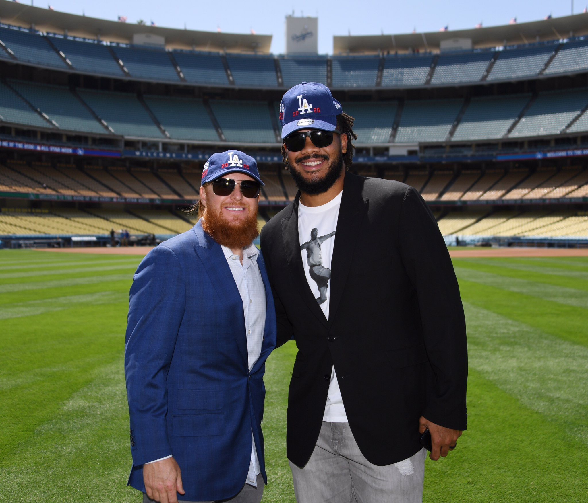 Happy To Join Redturn2 Doc Dodgers Legends And Execs Mlb Execs And La Officials For The Big Announcement Today Mlb As Dodgers Girl Dodgers La Dodgers