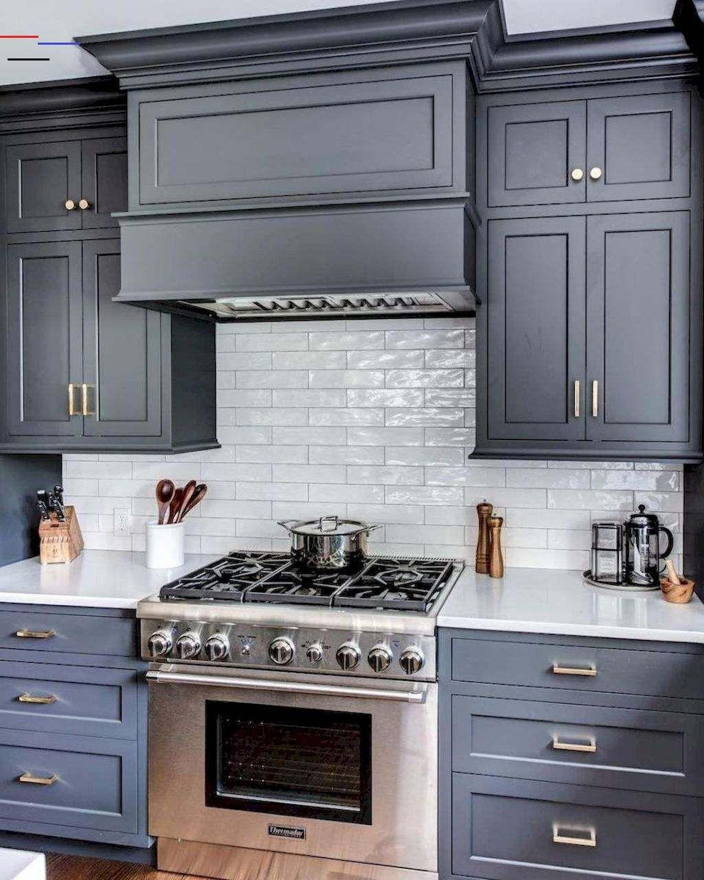 42 Modern Farmhouse Kitchen Cabinet Makeover Design Ideas Modernfarmhousekitchens Not All Ki In 2020 Blaue Kuchenschranke Innenarchitektur Kuche Kuchenrenovierung