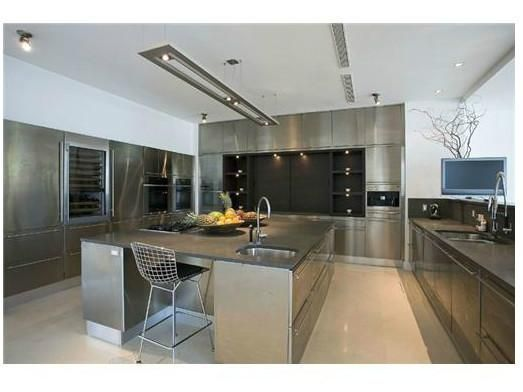 Miami Luxury Real Estate South Beach Real Estate For Sale Celebrity Kitchens Celebrity Houses Miami Mansion
