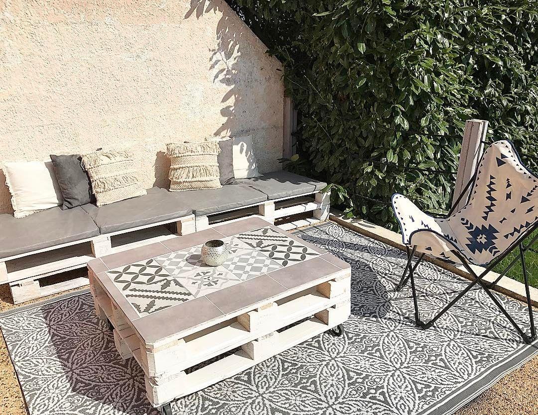 Coin Exterieur Salon De Jardin Palettes Meuble Chaise De Jardin