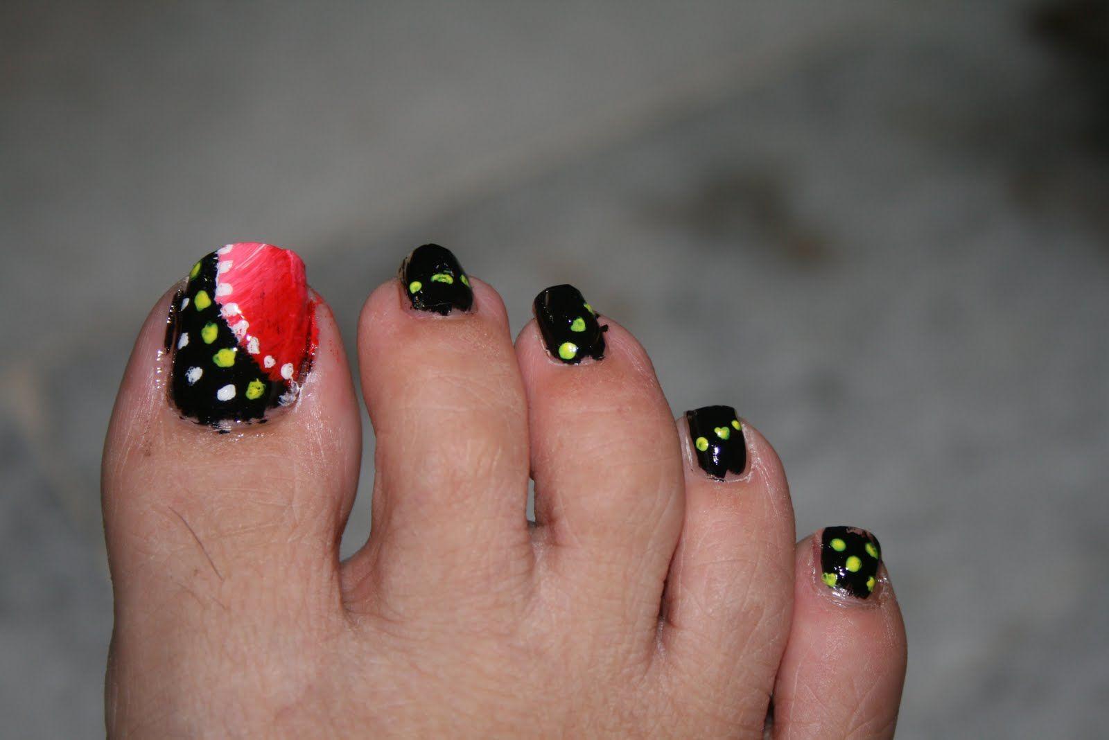 Blackandwhitetoenaildesigns Toe Nail Art Nice Black Red Toe