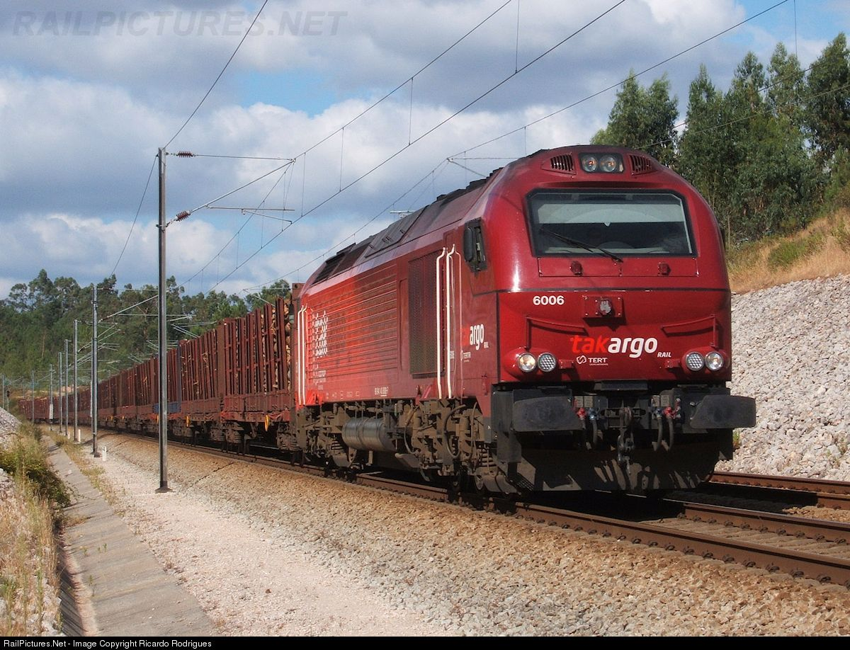 RailPictures.Net Photo: Takargo 6006 Caminhos de Ferro Portugueses Vossloh Euro 4000 at Ourém, Portugal by Ricardo Rodrigues