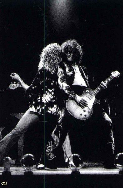Rp Jp Earls Court By Pennie Smith May 1975 02 Jpg Http Www Justleds Co Za Led Zeppelin Robert Plant Led Zeppelin Zeppelin