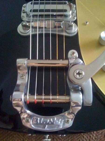 rickenbacker with dogbone bridge guitar bridge guitar music instruments instruments. Black Bedroom Furniture Sets. Home Design Ideas