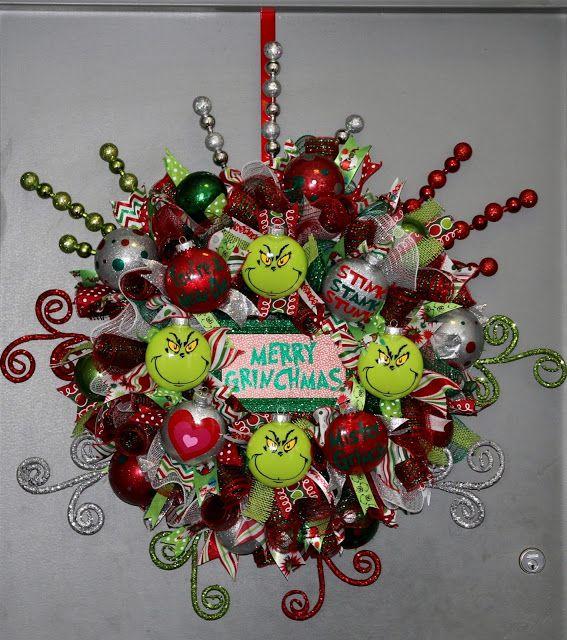 Photo of Don't Sweat The Technique: Grinch Deco Mesh Wreath