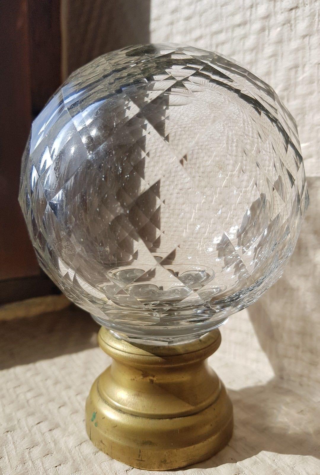 Souffleur De Verre Ile De Ré boule de depart de rampe d'escalier en cristal incolore nid