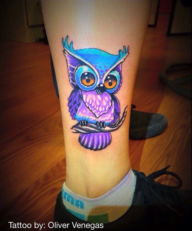 Olivervenegas Vibrant Colorful Cute Cartoonish Newschool Bluepurple Owl Tatuajes Bonitos Tatuajes De Famosos Acuarelas Tattoo