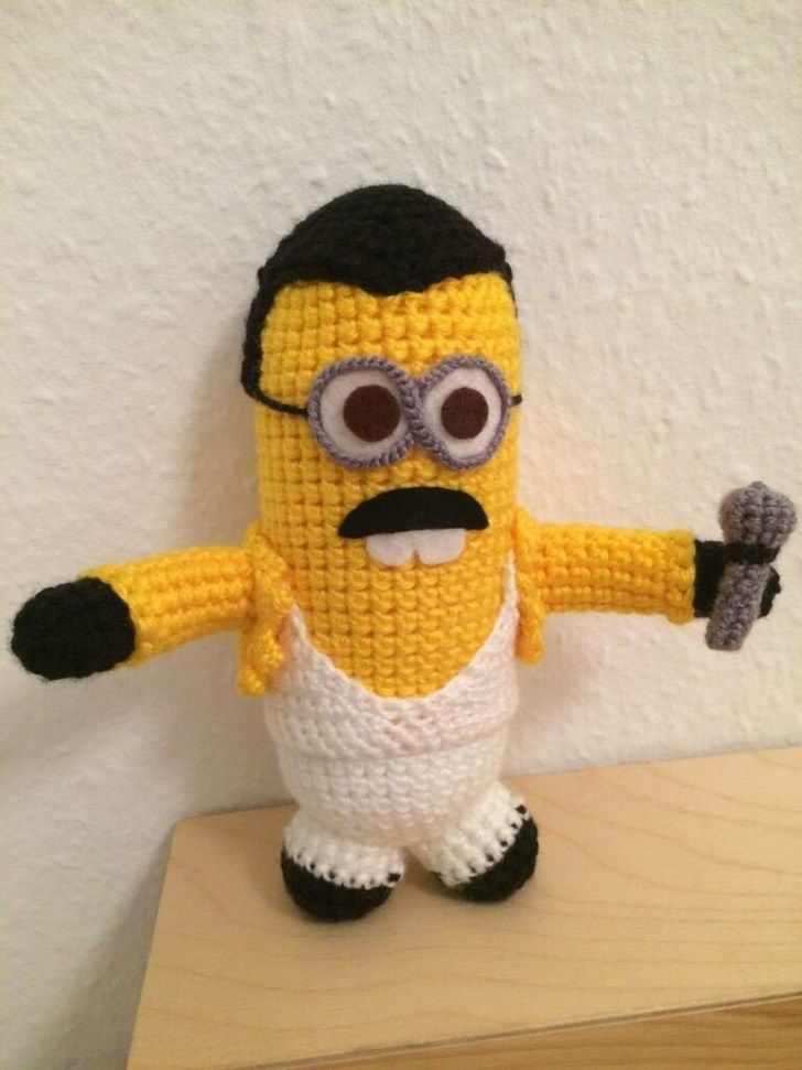 3 Cute Designs for Characters of Free Crochet Patterns for Minions A Crochet Freddie Mercury Minion Amigurumi Knithacker #minioncrochetpatterns 3 Cute Designs for Characters of Free Crochet Patterns for Minions A Crochet Freddie Mercury Minion Amigurumi Knithacker #minioncrochetpatterns
