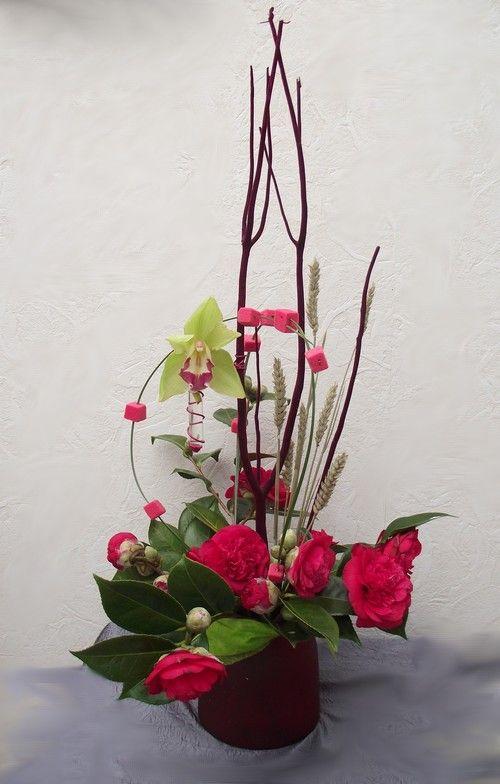 bouquet cam lias composition deux branches recouvertes de velours bordeaux une orchid e. Black Bedroom Furniture Sets. Home Design Ideas