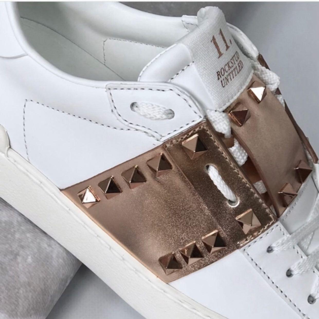 Bestsellerowy Model Sneakersow Valentino Trafil U Nas Na Promocje Sprawdz Na Www B Luxury Pl Valentinoshoes Valentin Golden Goose Sneaker Shoes Sneakers