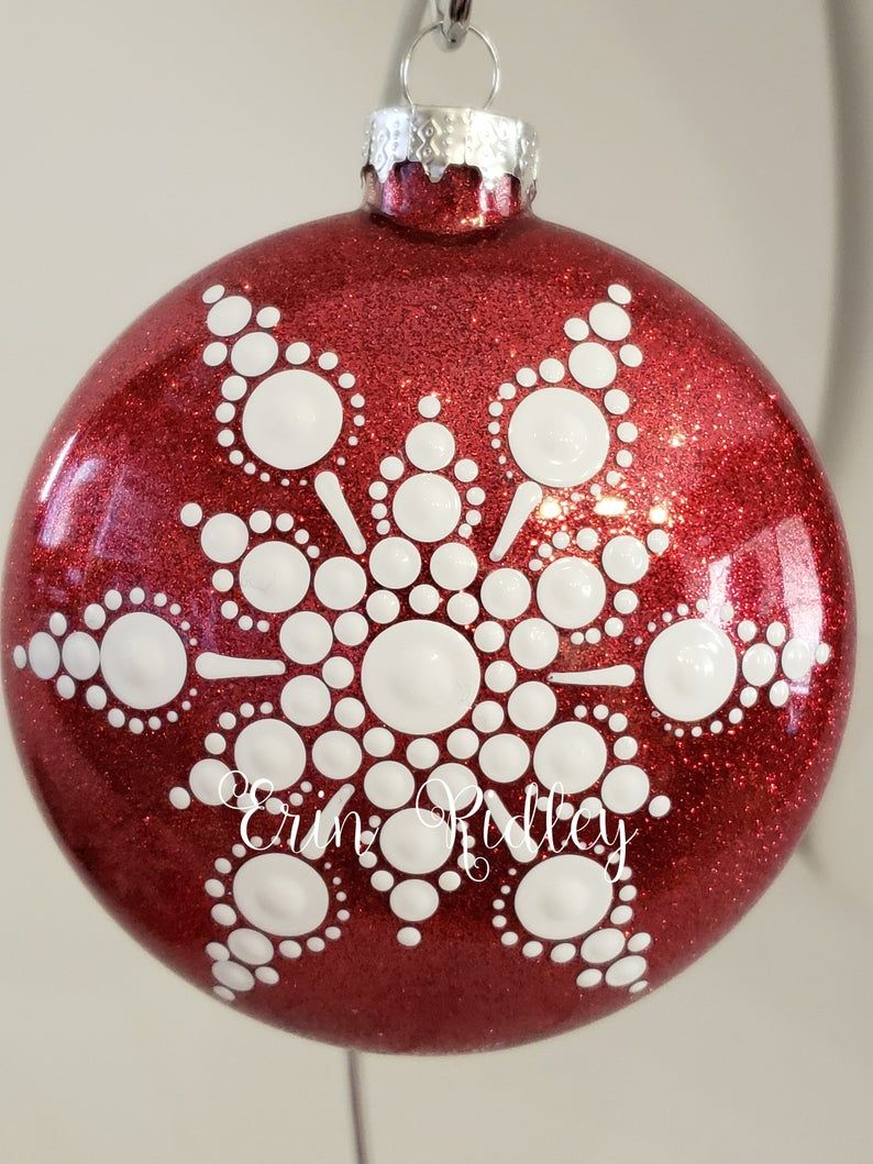 Christmas Ornaments Set 1 Dotting Pattern Ornaments Snowman Etsy Pretty Christmas Ornaments Christmas Mandala Christmas Ornaments