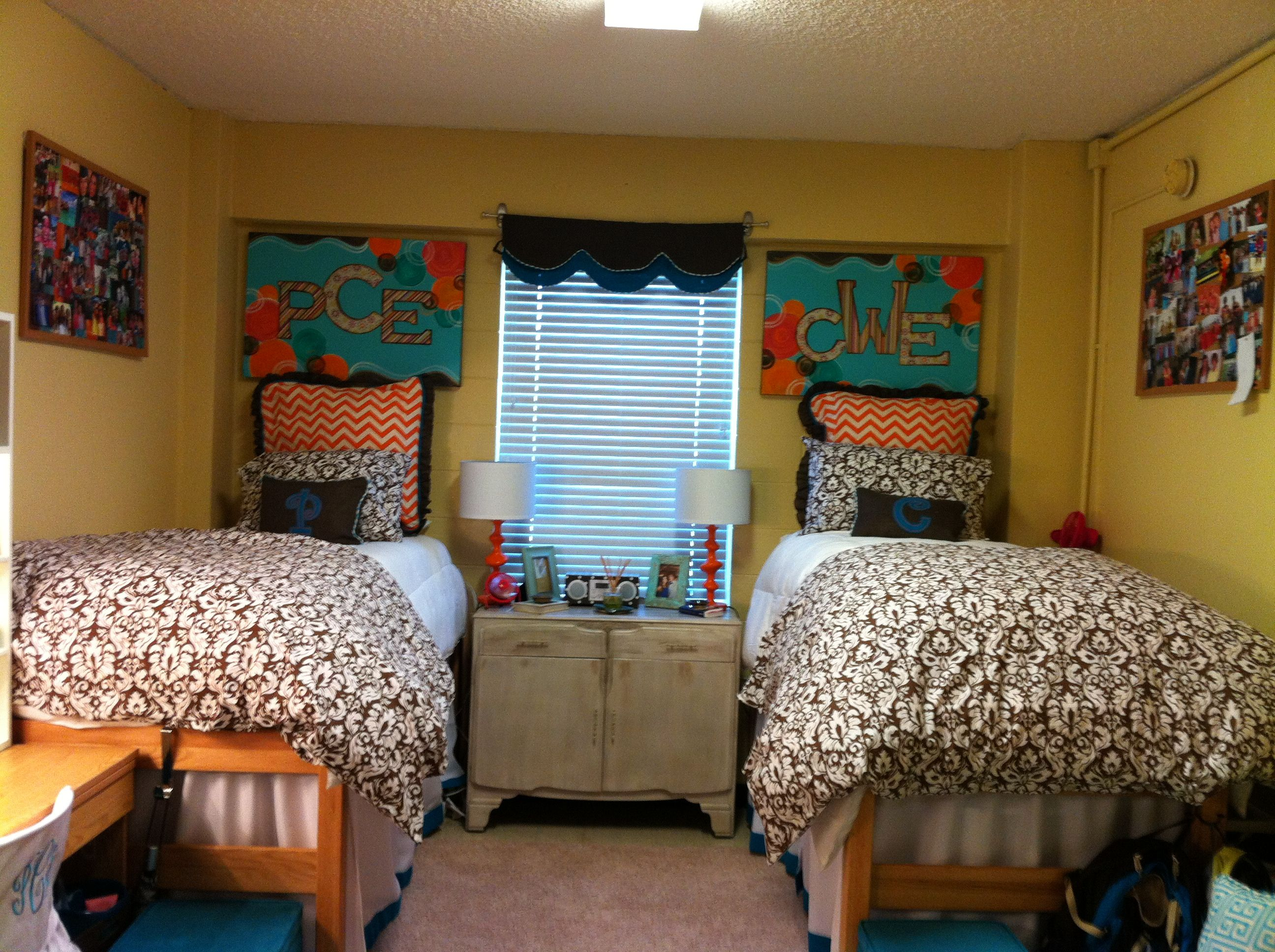 ideas hall room dorm awesome hart decor milligan at from college girl of